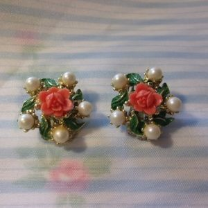 Jewelry - Vtg Coral Color Carved Roses Clip Earrings